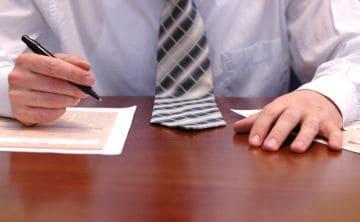 На докладной записке оформляется письменное согласие работника.