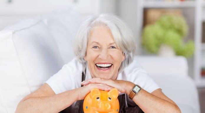 увольнение в связи с достижением пенсионного возраста