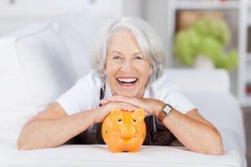 Пенсионер радуется