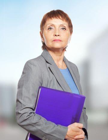 пенсионерка по выслуге лет