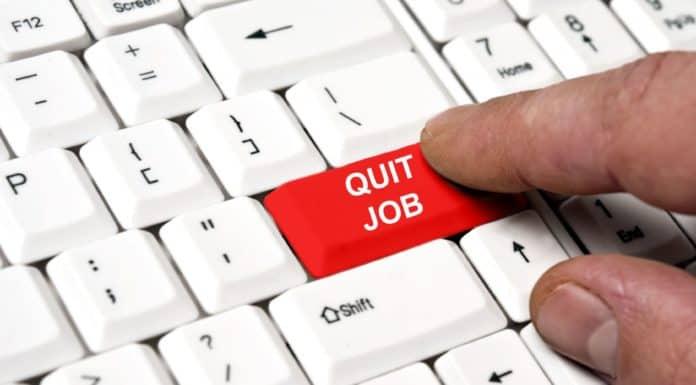 увольнение в связи с выходом основного работника из декрета