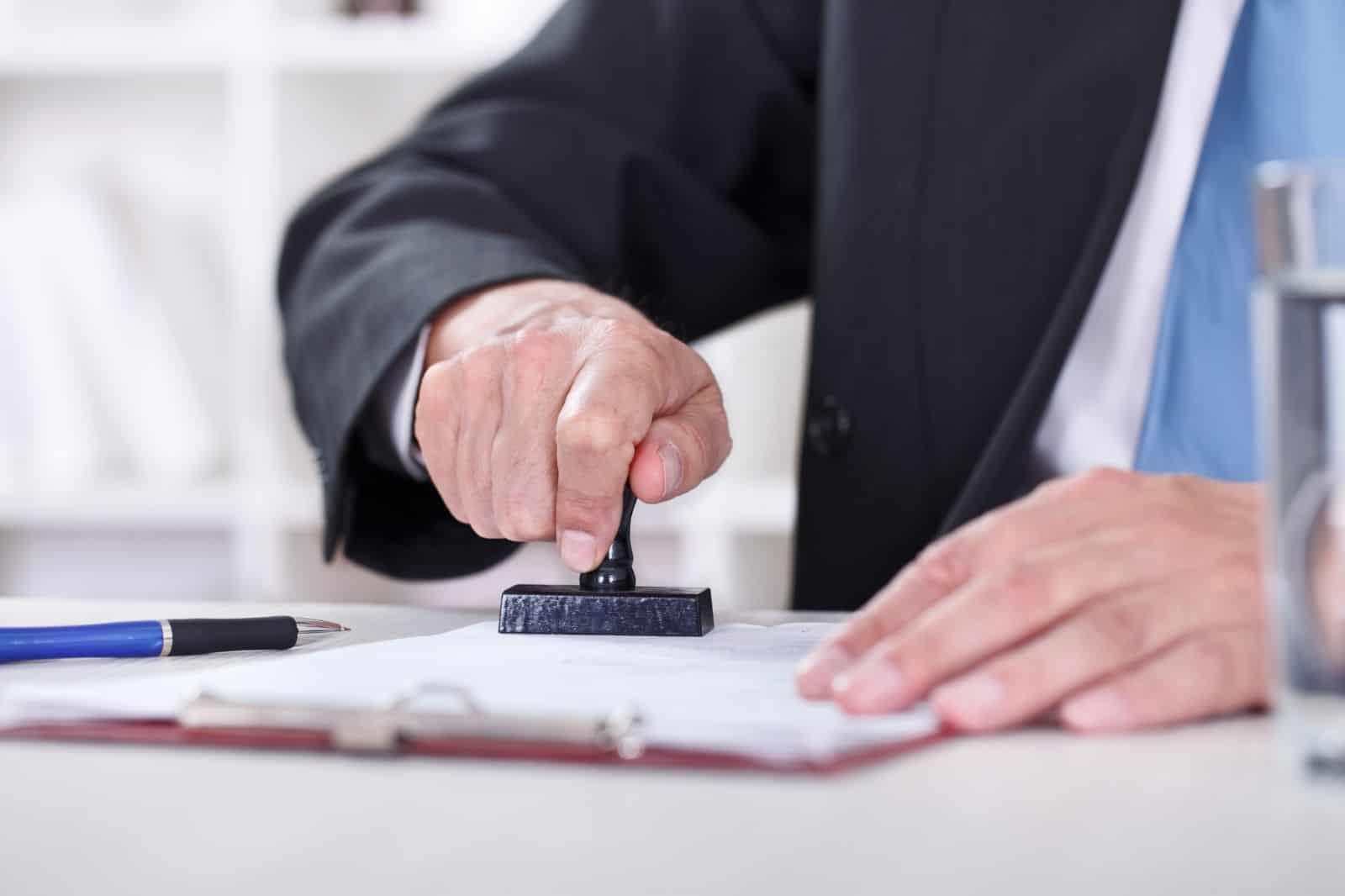 Удержания из заработной платы работника: как правильно, учет — Бухонлайн
