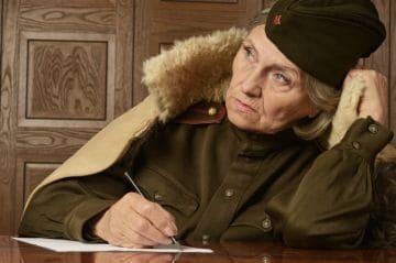 женщина-военный