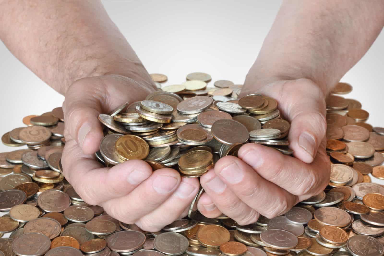 Биржа труда: как встать на учёт и получать пособие
