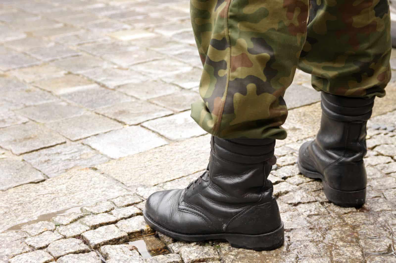 Увольнение с военной службы - способы и основания