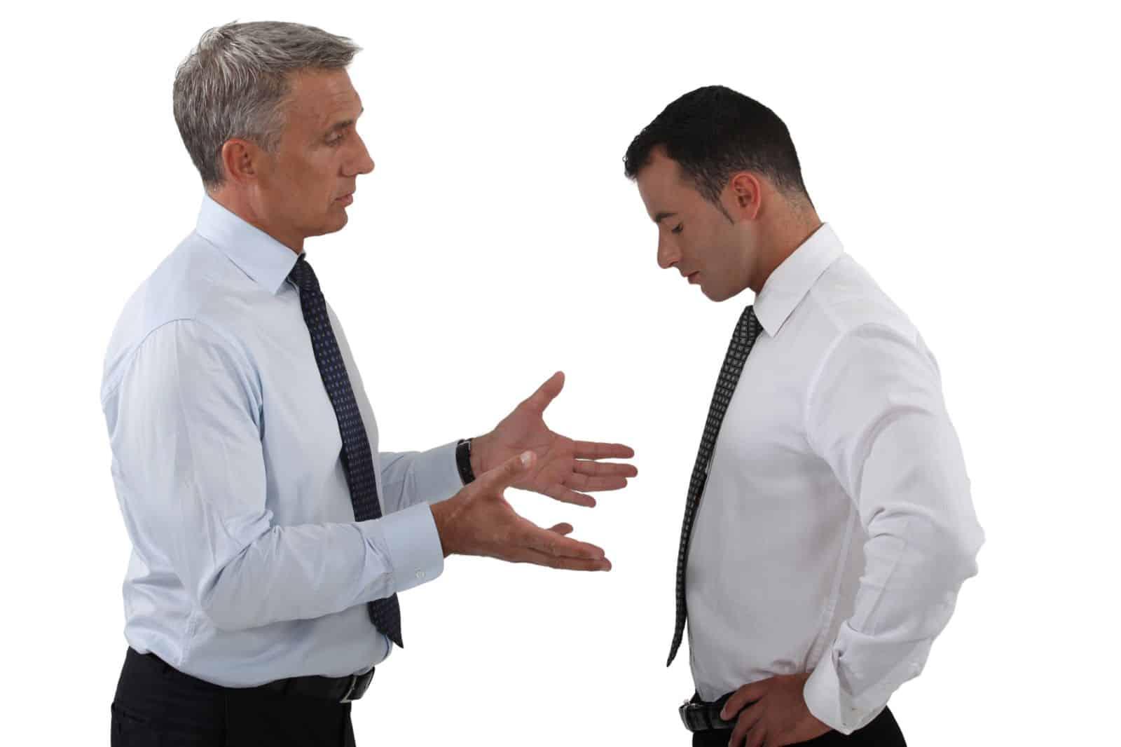 Выговор как дисциплинарное взыскание — когда и как его применять?
