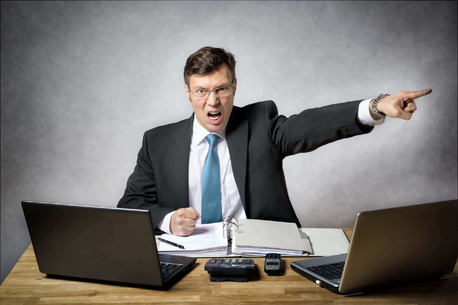 Как уволить по статье работника и не попасть под суд?