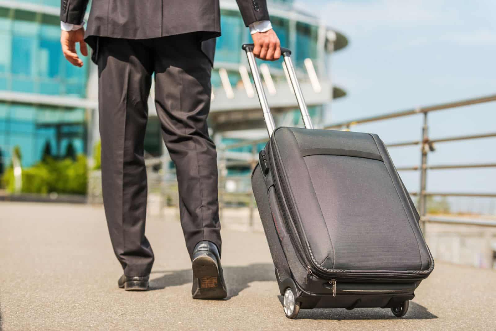 Где в трудовом договоре прописать условия разъездного характера