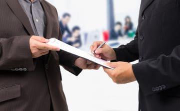 оформление бумаг о трудоустройстве