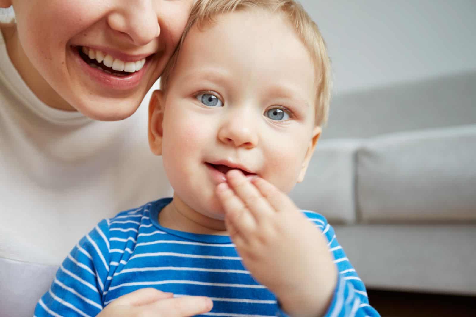 Как поменять фамилию ребенку без согласия отца после развода?