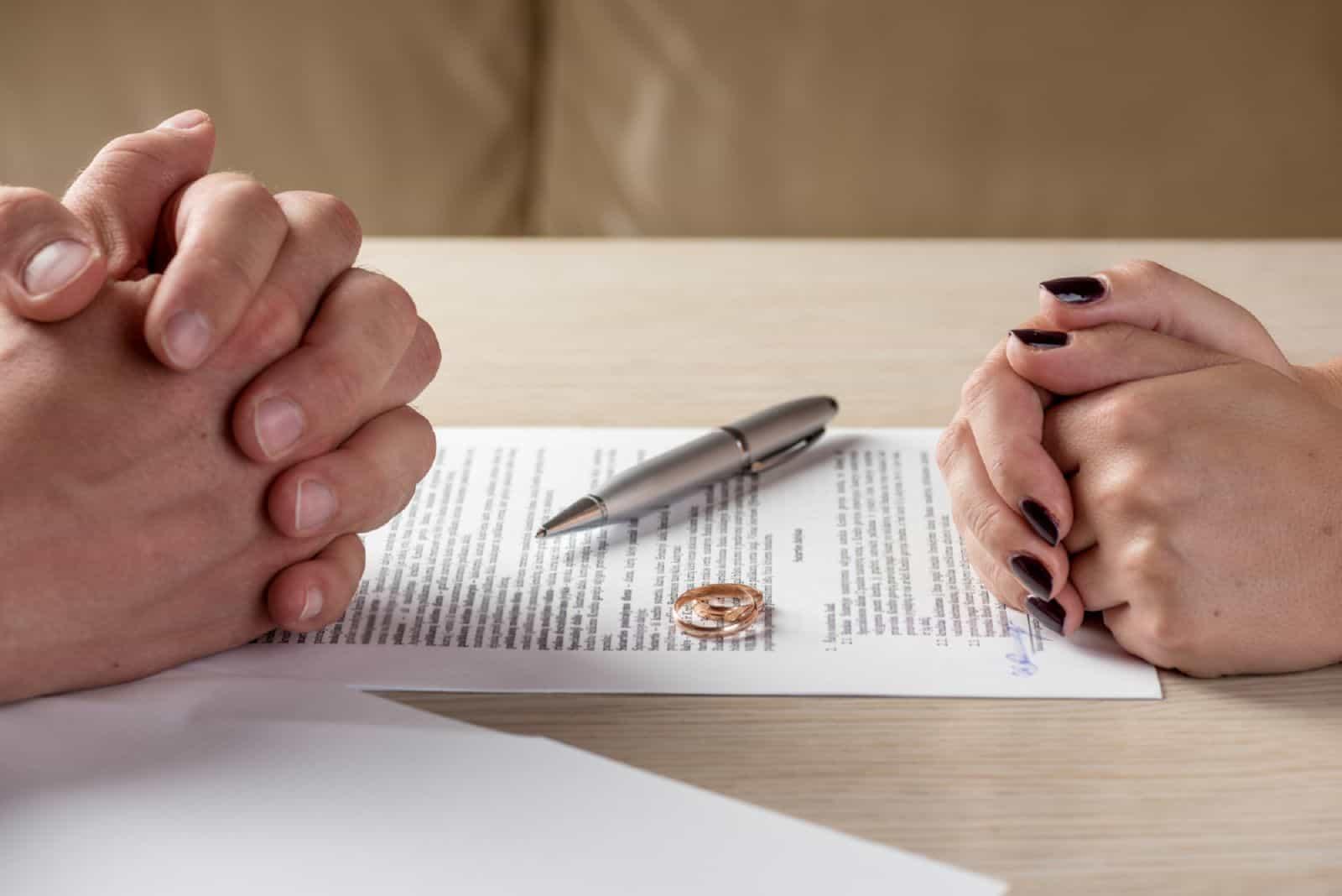 Получить справку о браке после развода
