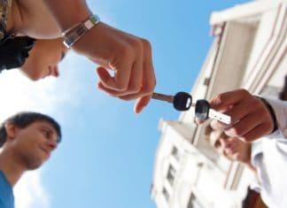 как разделить квартиру в ипотеке при разводе