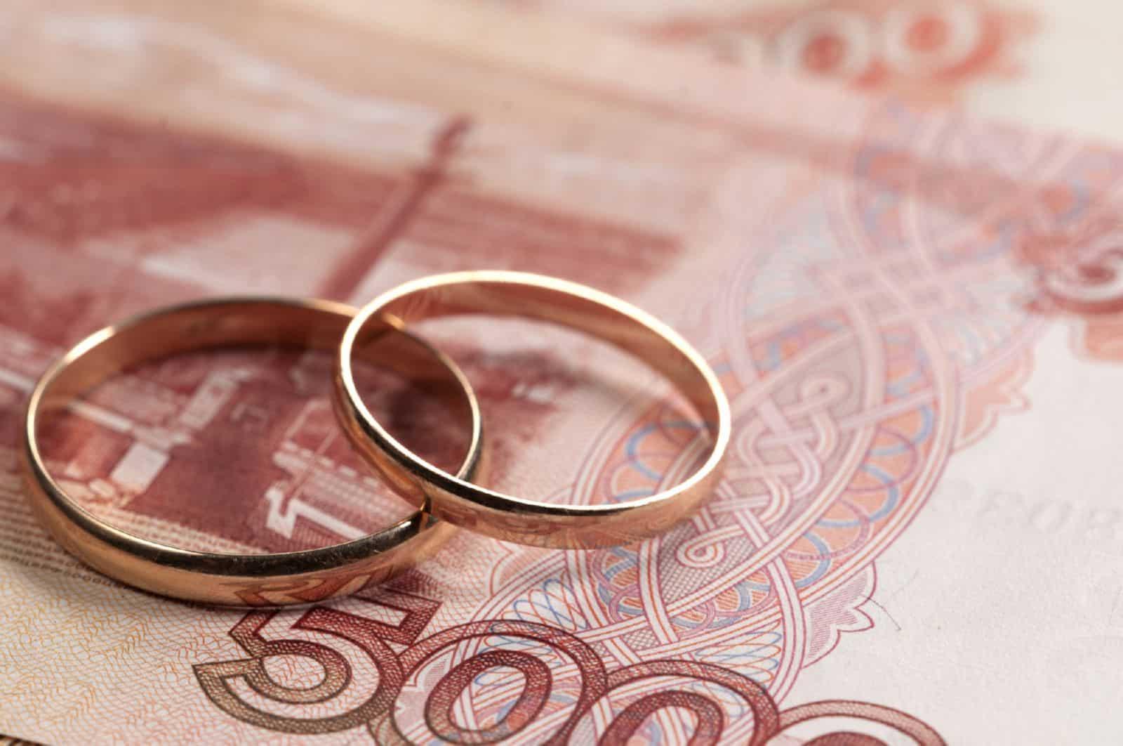 Согласна на фиктивный брак за деньги