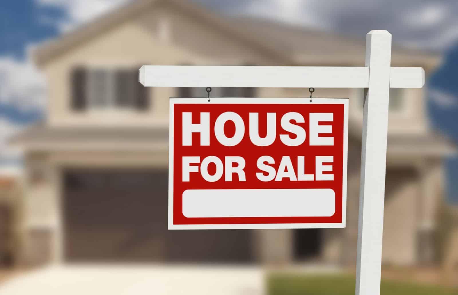 Как правильно оформить покупку дома в деревне