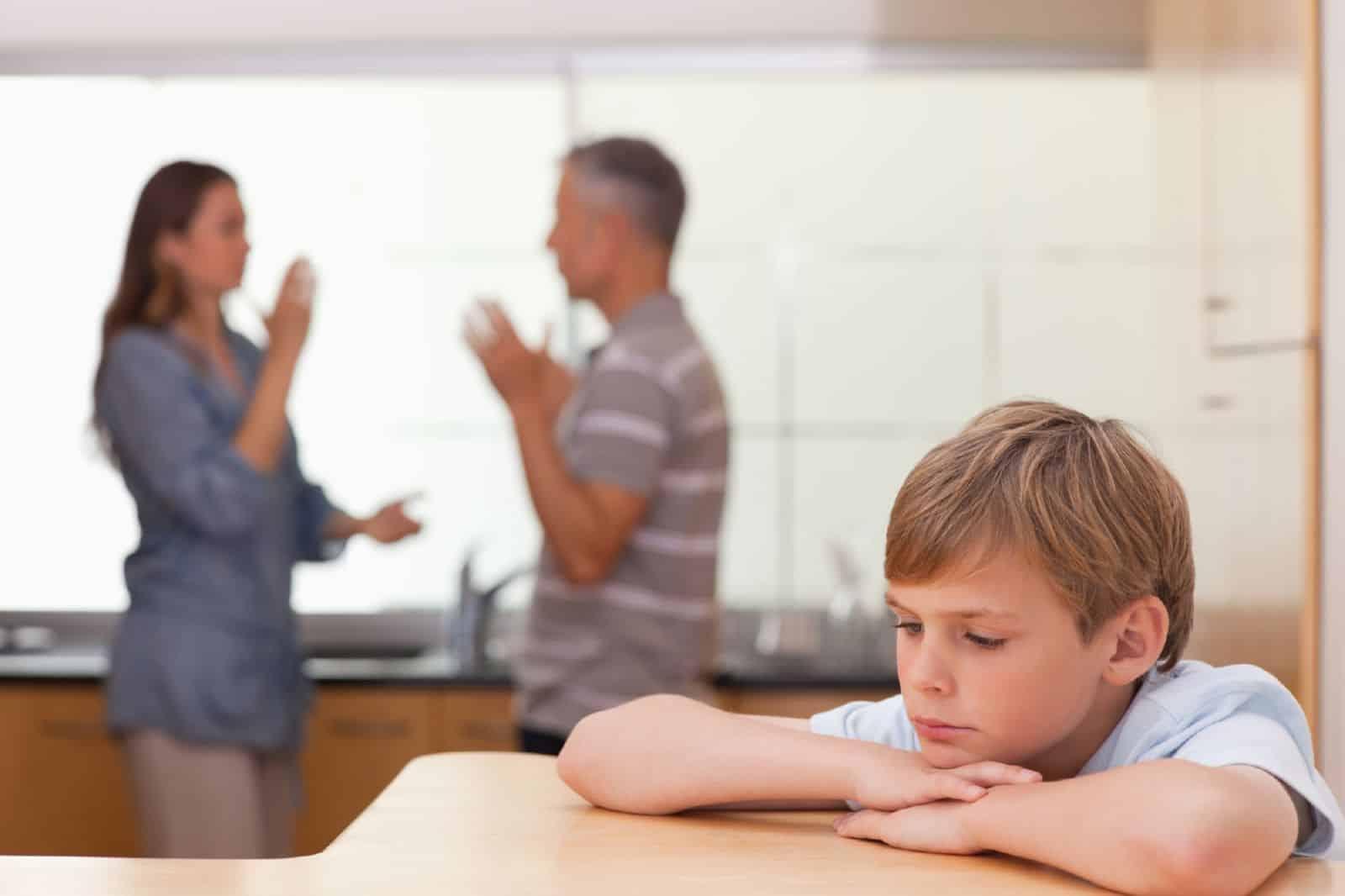 Лишение и ограничение родительских прав производится