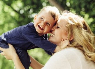 страхование материнства