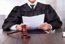 Как оспорить отцовство в суде