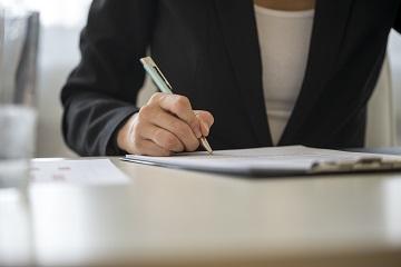 Претензию в банк с требованием восстановить денежные средства на счете