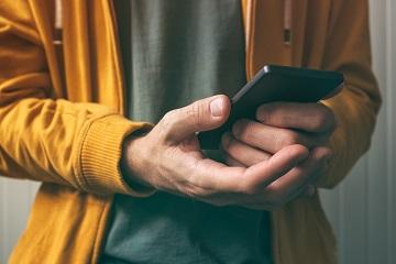 Продавец отказывается вернуть деньги за стекло на смартфон и чехол