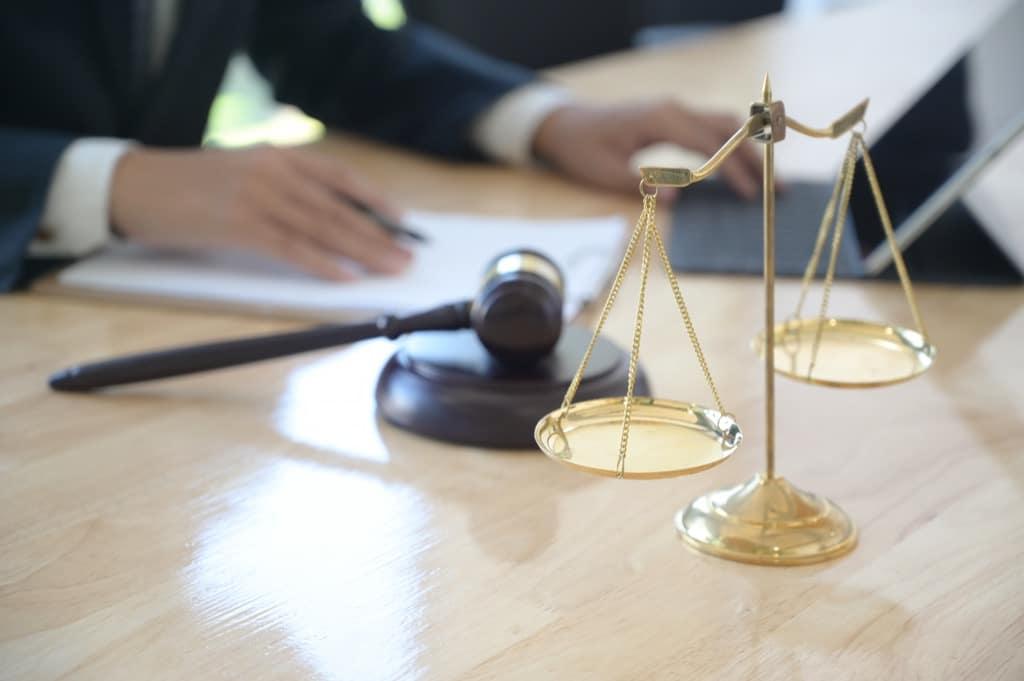 Усыновление ребенка супруга от первого брака: условия процедуры, правовые последствия