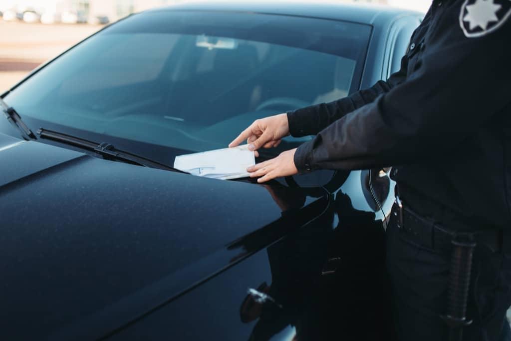 Как вернуть арестованные деньги с карты за штраф